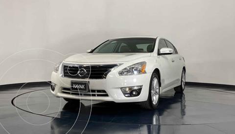 Nissan Altima Advance usado (2015) color Blanco precio $199,999