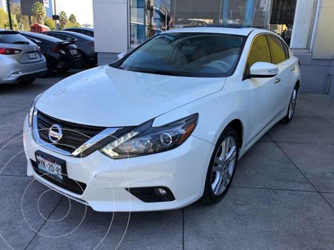 Nissan Altima Advance NAVI usado (2017) color Blanco precio $257,000