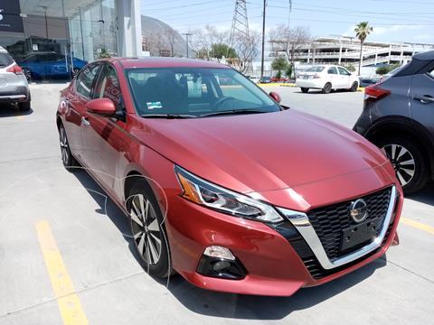 Nissan Altima Advance usado (2020) color Rojo precio $667,900