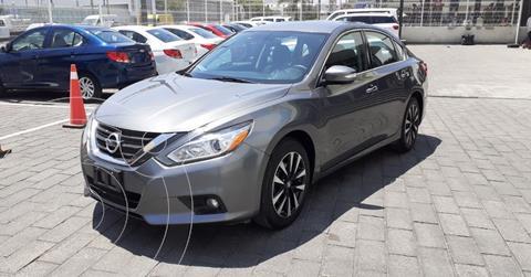 Nissan Altima Sense usado (2018) color Gris precio $239,900