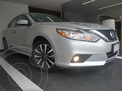 Nissan Altima Advance usado (2018) color Plata precio $299,800