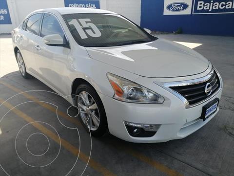 Nissan Altima ADVANCE NAVI 2.5L usado (2015) color Blanco precio $170,000