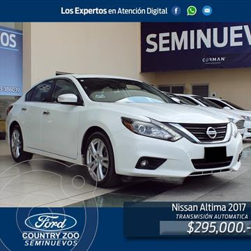 Nissan Altima Exclusive usado (2017) color Blanco precio $295,000