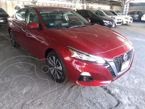 Nissan Altima Advance usado (2020) color Rojo precio $497,000