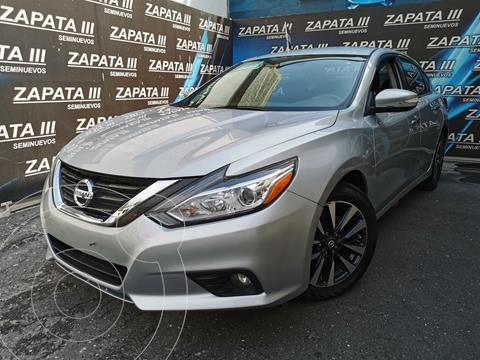 Nissan Altima Sense usado (2017) color Plata Brillante precio $250,000