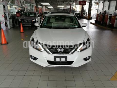 Nissan Altima 4P EXCLUSIVE V6 CVT CLIMATRONIC PIEL QC BL GPS BL usado (2017) color Blanco precio $300,000