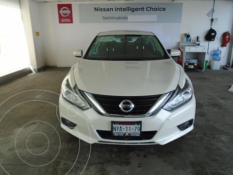 Nissan Altima Sense usado (2017) color Blanco precio $220,000