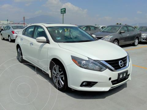 Nissan Altima Exclusive usado (2018) color Blanco precio $347,000