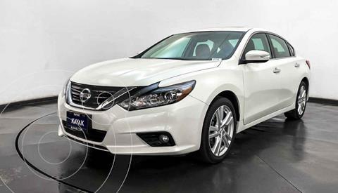 Nissan Altima Advance NAVI usado (2017) color Blanco precio $287,999