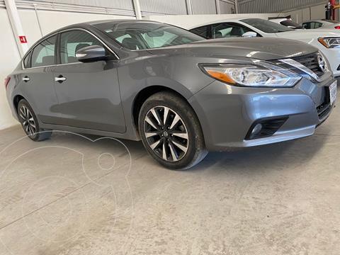 Nissan Altima Sense usado (2018) color Gris precio $265,000