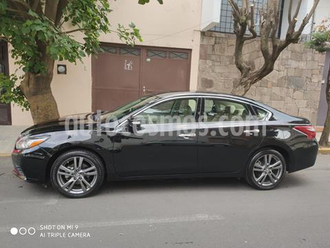 Nissan Altima Exclusive usado (2018) color Negro precio $350,000