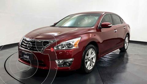 Nissan Altima Exclusive usado (2017) color Rojo precio $232,999