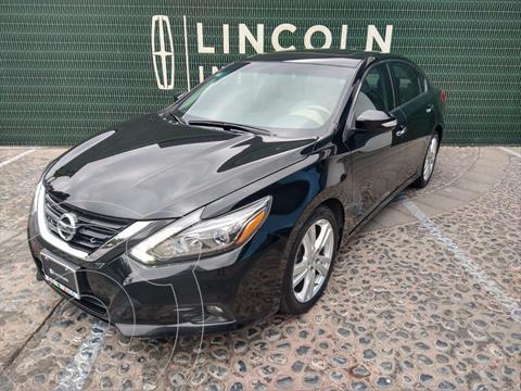 Nissan Altima Advance NAVI usado (2017) color Negro precio $255,000