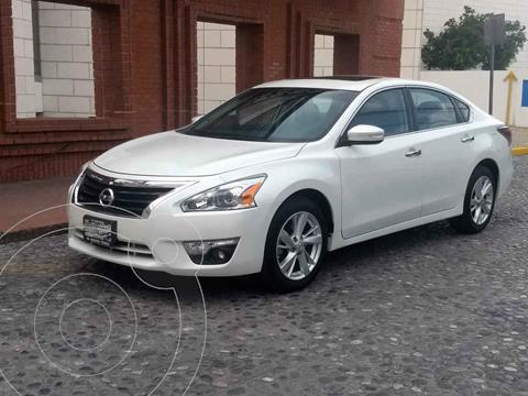 Nissan Altima Advance NAVI usado (2014) color Blanco precio $175,000