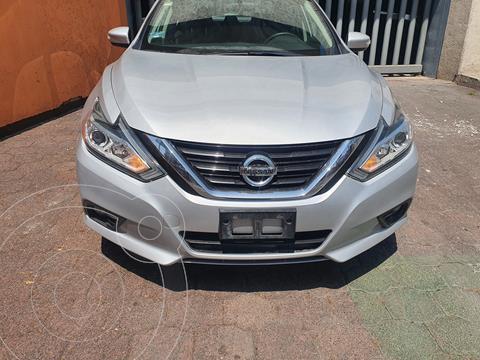 Nissan Altima Sense usado (2018) color Plata precio $250,000