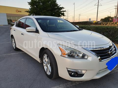 Nissan Altima Advance NAVI usado (2015) color Blanco precio $168,000