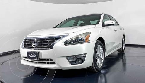 Nissan Altima Advance NAVI usado (2013) color Blanco precio $174,999