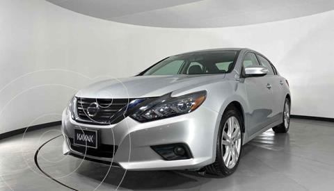 Nissan Altima Advance NAVI usado (2017) color Plata precio $282,999