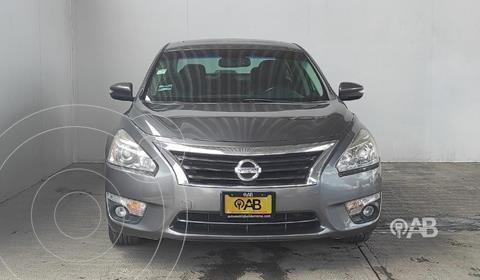 Nissan Altima Advance NAVI usado (2015) color Gris precio $204,000