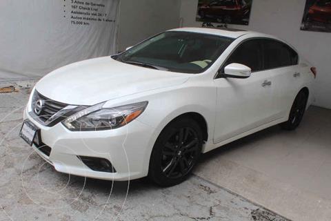 Nissan Altima Exclusive usado (2017) color Blanco precio $289,000