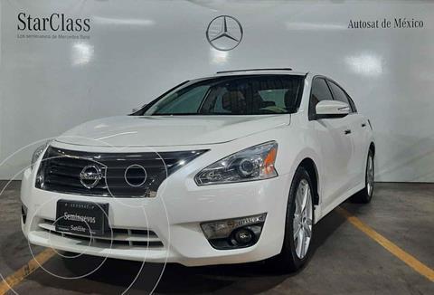 Nissan Altima Exclusive usado (2013) color Blanco precio $220,000