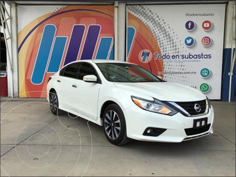 Nissan Altima Sense usado (2017) color Blanco precio $165,000