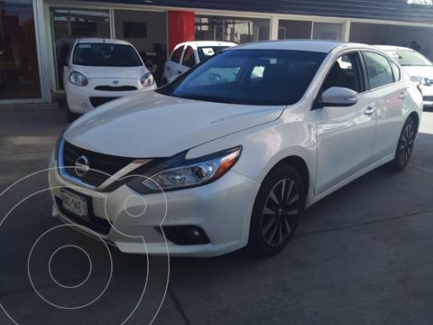 Nissan Altima Sense usado (2018) color Blanco precio $250,000