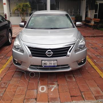 Nissan Altima Sense usado (2013) color Plata precio $125,000