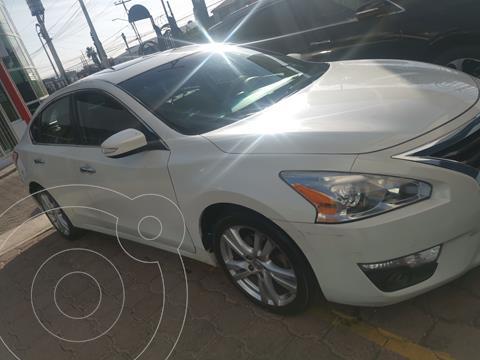 Nissan Altima Advance NAVI usado (2016) color Blanco precio $216,000