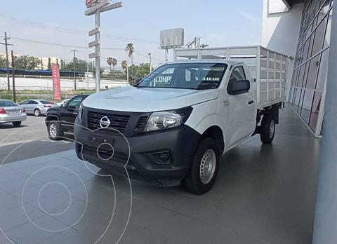 Nissan Estacas Largo TM5 usado (2020) color Blanco precio $359,000