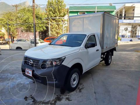 Nissan Estacas Largo TM5 usado (2020) color Blanco precio $379,000