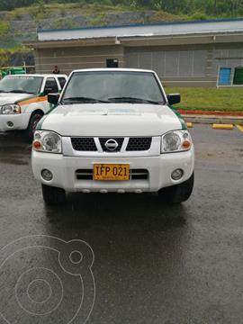 Nissan Frontier NP300 2.4L 4x2 Doble Cabina usado (2015) color Blanco precio $22.900.000