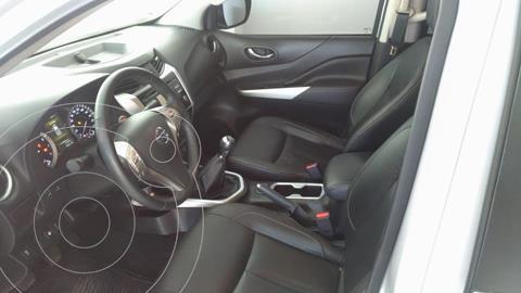 Nissan Frontier LE 2.4L usado (2020) color Plata Dorado precio $480,000
