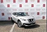 Foto venta Auto Seminuevo Nissan Kicks Exclusive Aut (2017) color Plata precio $273,000