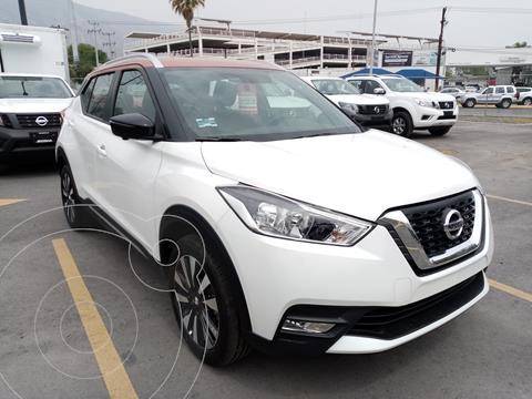 Nissan Kicks Bitono Aut usado (2020) color Blanco precio $365,000