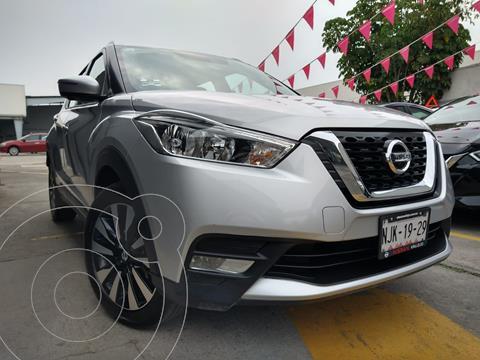 Nissan Kicks Exclusive Aut usado (2020) color Plata precio $389,800