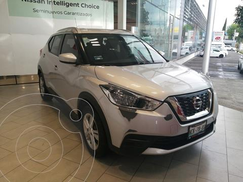 Nissan Kicks Sense usado (2017) color Plata Dorado precio $230,000