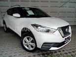 Foto venta Auto usado Nissan Kicks Sense (2017) color Blanco precio $215,000