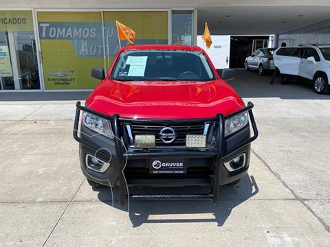 Nissan NP300 Doble Cabina SE A/A Paq. de Seg. usado (2020) color Rojo precio $410,000