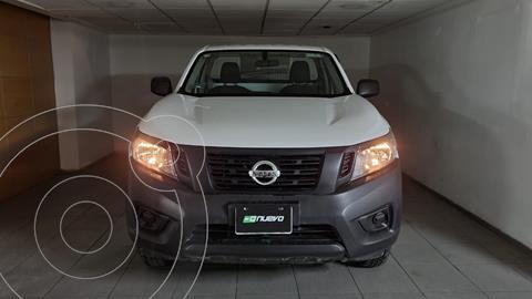 Nissan NP300 2.5L Chasis Cabina Dh A/A Paquete de Seguridad usado (2018) color Blanco precio $275,000
