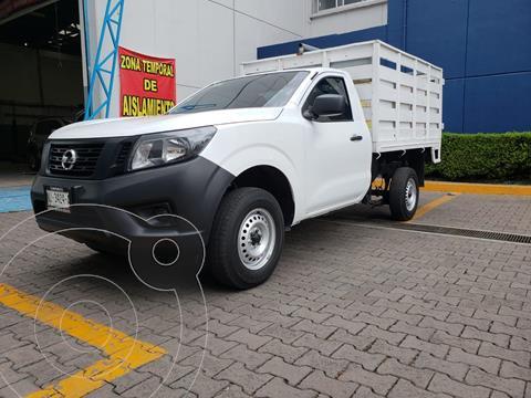 foto Nissan NP300 2.5L Estacas Dh usado (2020) color Blanco precio $345,000