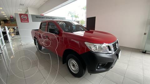 Nissan NP300 2.4L Doble Cabina SE A/A Paquete de Seguridad usado (2020) color Rojo financiado en mensualidades(enganche $110,000 mensualidades desde $9,700)