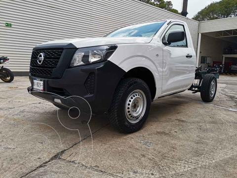 Nissan NP300 2.5L Chasis Cabina Dh A/A Paquete de Seguridad+VDC usado (2021) color Blanco precio $335,000