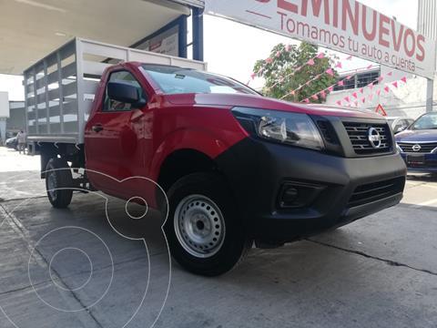 Nissan NP300 2.4L Estacas Dh  usado (2020) color Rojo precio $349,800