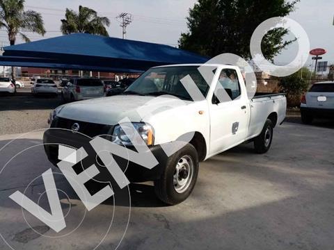 Nissan NP300 2.4L Pick-up Dh   usado (2014) color Blanco precio $140,000