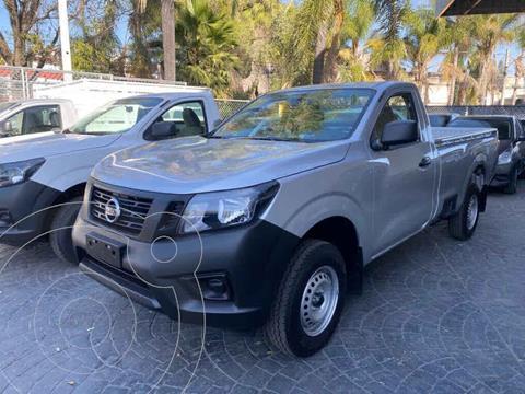 Nissan NP300 2.5L Pick-up Dh A/A usado (2020) color Plata Dorado precio $390,000