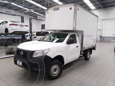 Nissan NP300 2.5L Estacas Dh usado (2017) color Blanco precio $290,000