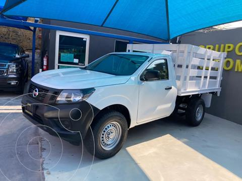 Nissan NP300 2.5L Estacas Dh A/A usado (2019) color Blanco precio $315,000