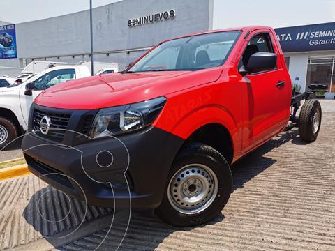 Nissan NP300 2.5L Chasis Cabina Dh A/A Paquete de Seguridad usado (2020) color Rojo precio $345,000