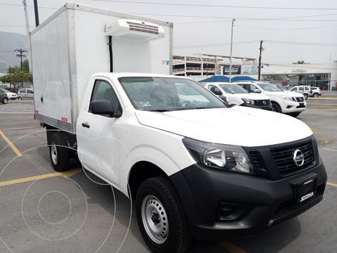 Nissan NP300 2.5L Chasis Cabina Dh usado (2020) color Blanco precio $550,150